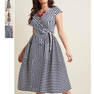 Collectif Ladylike Luncheon Wrap Dress in 18 (UK)